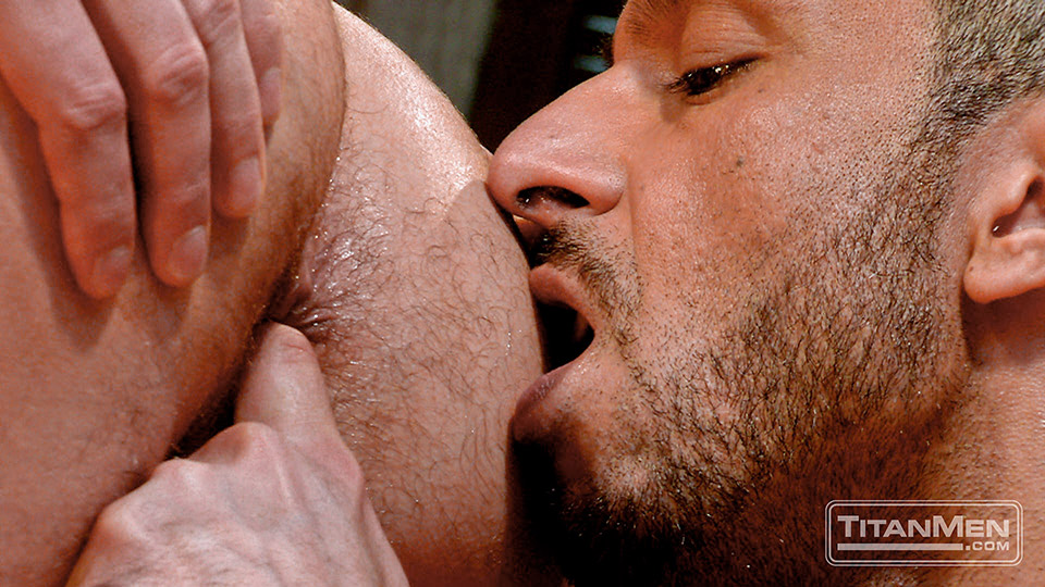 Catch22_Scene2_AdamChamp_DonnieDean_091