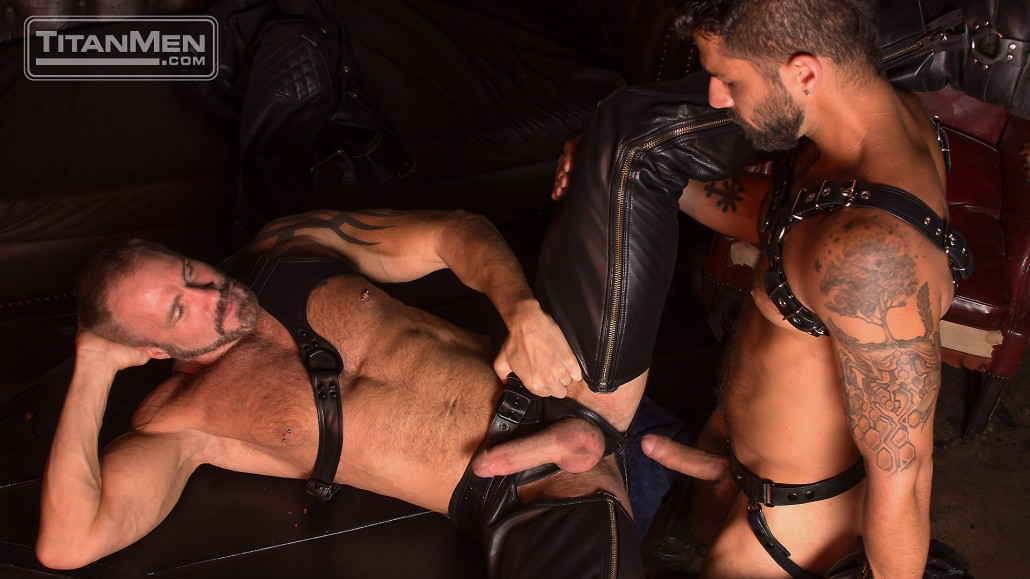 Leather Rough - 10_ruff_action_DallasAdam_0186