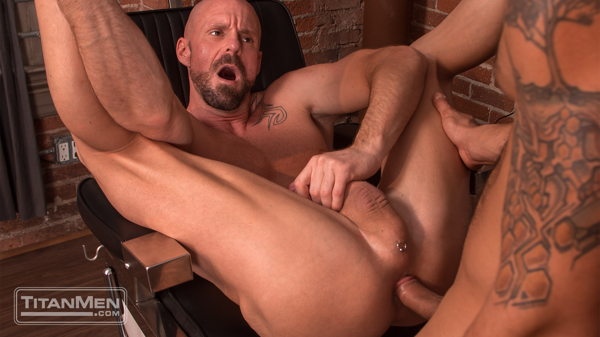 Adam Ramzi Gets A Trim And Some Ass From Mitch Vaughn Titanmen Net